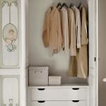 Detail inside wardrobe