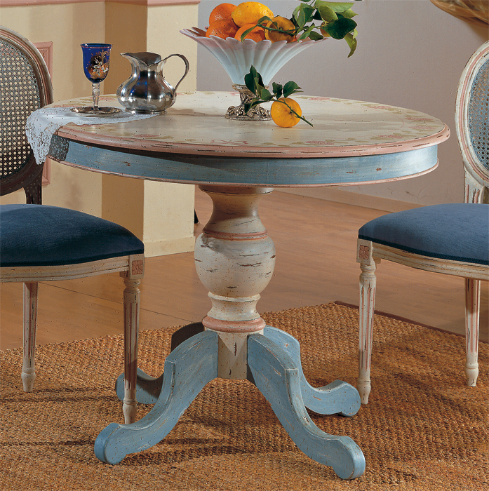 Tavolo Shabby Tondo Allungabile.Foto Cucina Blu Mobili Veneti